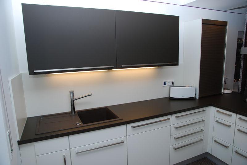k chenschr nke fronten arbeitsplatte renovieren inspiration f r die gestaltung. Black Bedroom Furniture Sets. Home Design Ideas